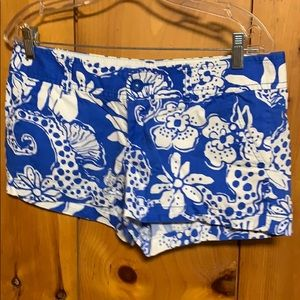 Lilly Pulitzer blue & white Walsh short size 6